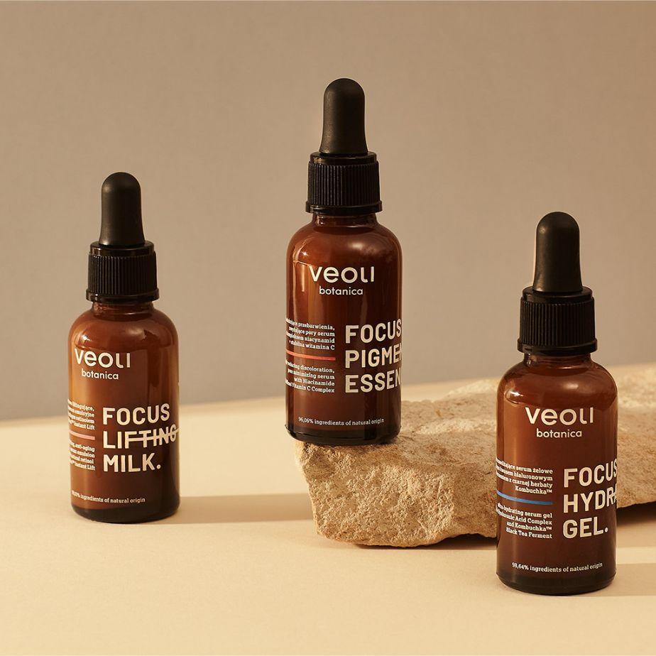 Veoli Botanica FOCUS LIFTING MILK natychmiastowo liftingujące anti-aging serum emulsyjne z roślinnym zamiennikiem retinolu i instant lift
